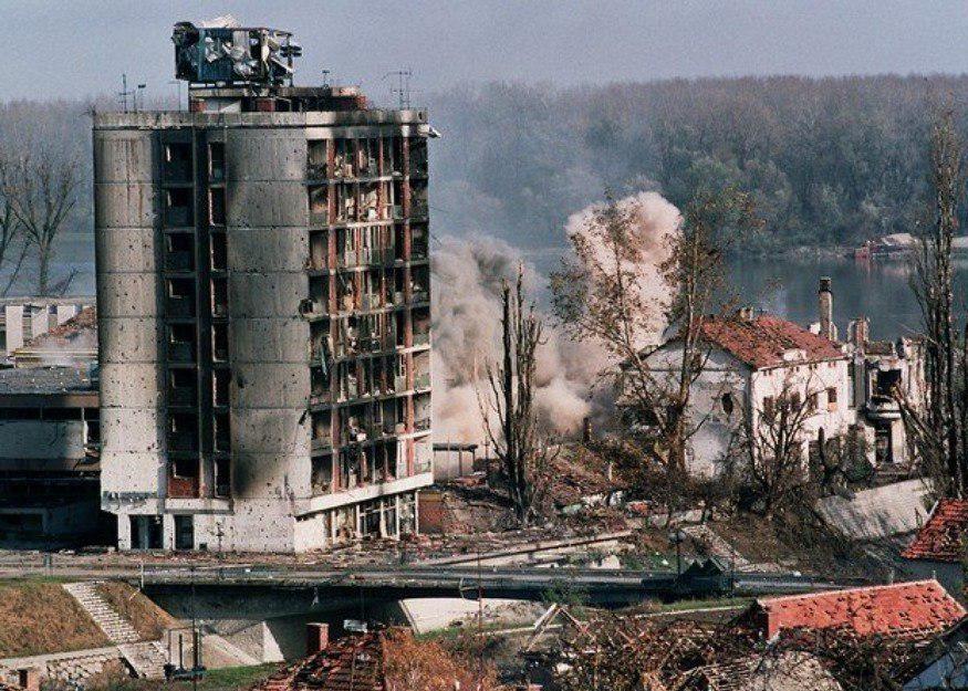 22 года назад натовские звери начали терзать Югославию