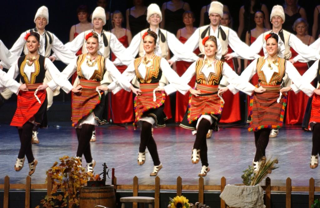 Коло - сербский народный танец ( Kolo serbian dance)