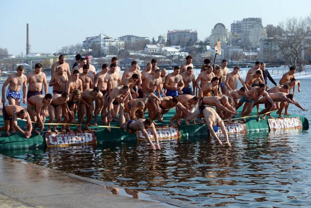 плавание за Крестом в Сербии